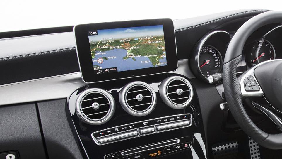 Mercedes-C-Class-SatNav