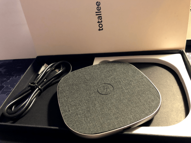 totalee wireless charger qi open box