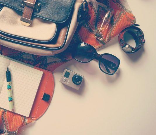 travel-gadgets-go-pro-1478810_1280