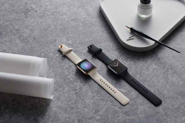 oppo watch Gold and Black