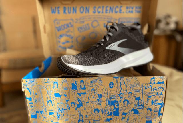 brooks levitate 4 shoe on box front