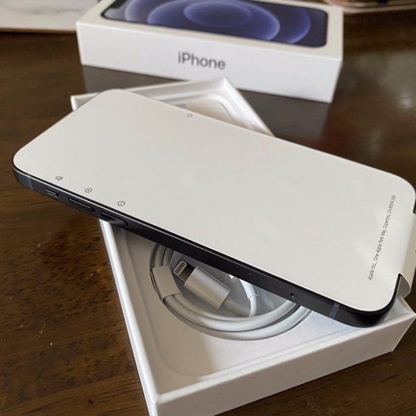 iphone12 reduced packaging open box