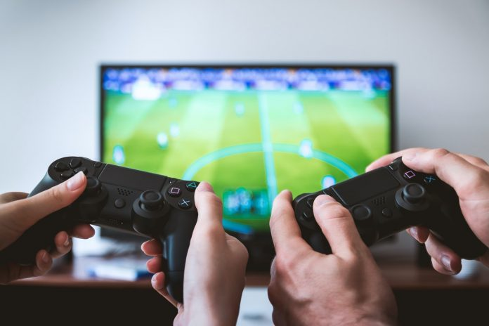 ps-gaming-controllers-pexels-jeshootscom-442576