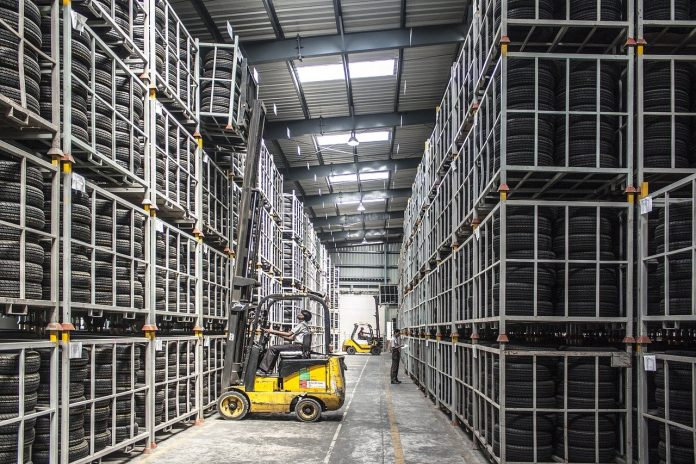 warehouse-automation-forklift-835340_1280