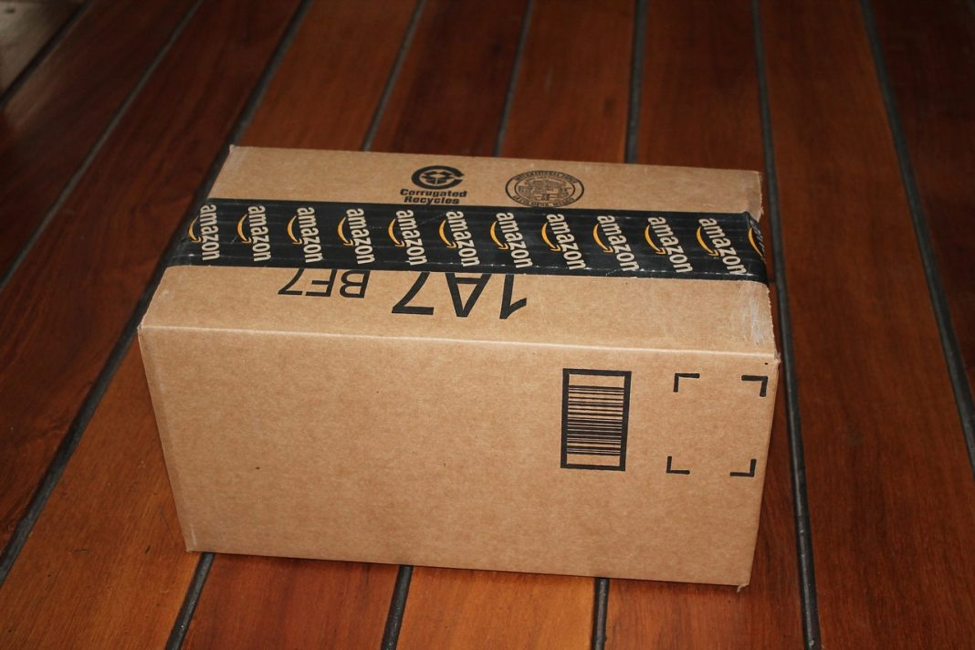 amazon-package-delivery-1243499_1280