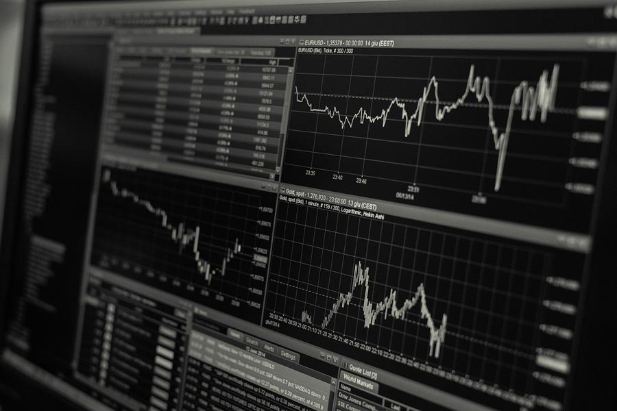trading-stock-1863880_1280