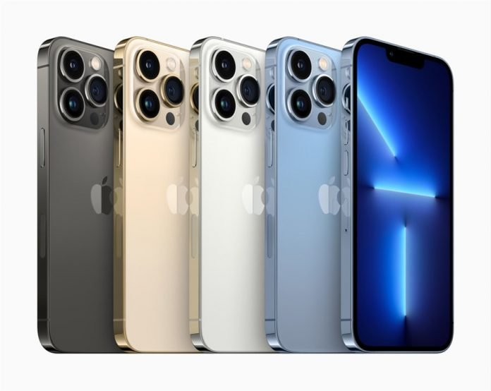 apple iphone13 and iphone13pro feat